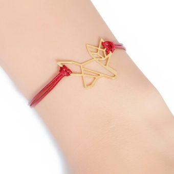 Idee-cadeau-femme-bracelet-rouge-femme