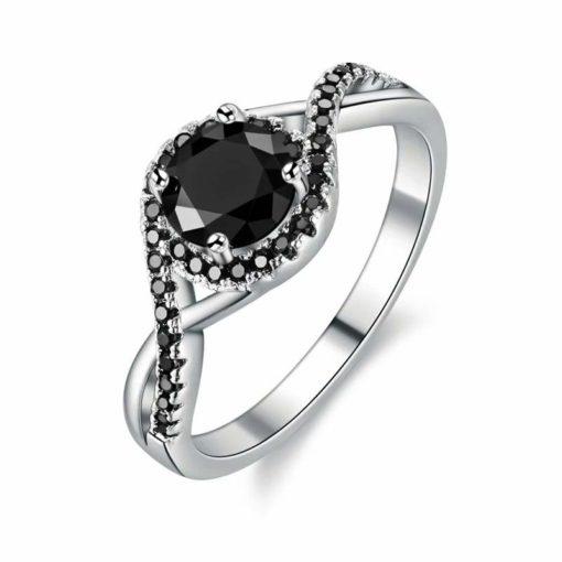 Bague fantaisie esprit vintage avec pierre Swarovski noire