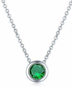 Collier avec pendentif oxyde de zirconium vert plaque argent
