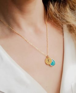 Collier personnalise initiale.