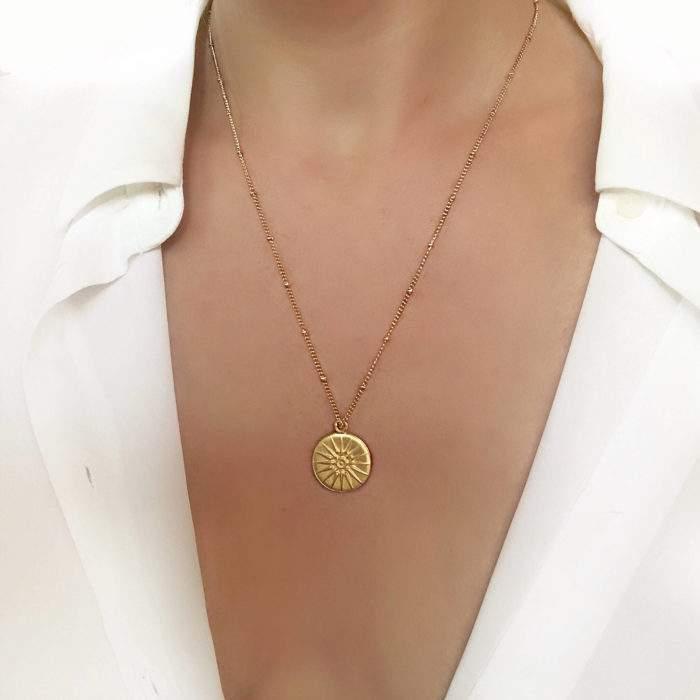 Collier cadeau femme - medaille tendance