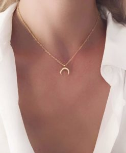 Collier tendance 2019 - corne plaque or