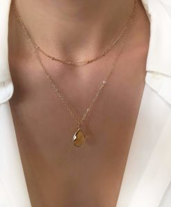 Collier tendance 2019 - multirangs pierre jauneCollier tendance 2019 - multirangs pierre jaune