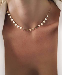 Collier tendance 2019 - ras de cou triangle or