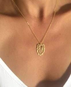 collier pendentif lion